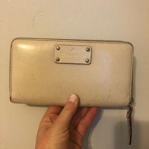 Kate spade oversized wallet